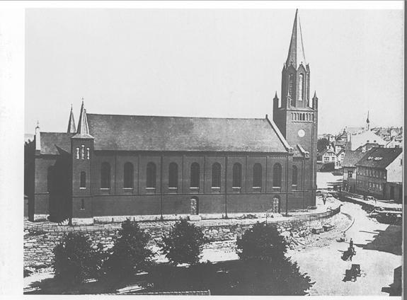 Kirken på Petribakkens topp